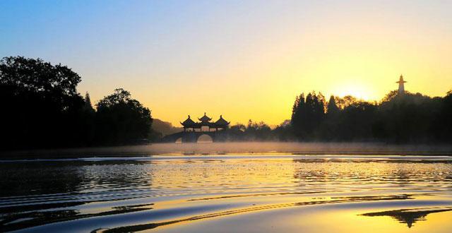 十一游扬州瘦西湖,南京中山陵 青岛出发扬州旅游大巴三日720元 【广告